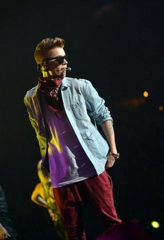 justin bieber triumphs over lady gaga on twitter with most followers - national celebrity headlines